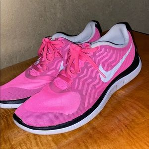 Nike Free 4.0 shoes